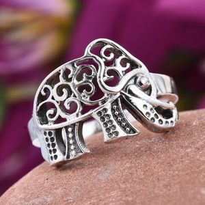 Jewelry - Oxidized Sterling Silver Elephant Ring (Size 7.0)
